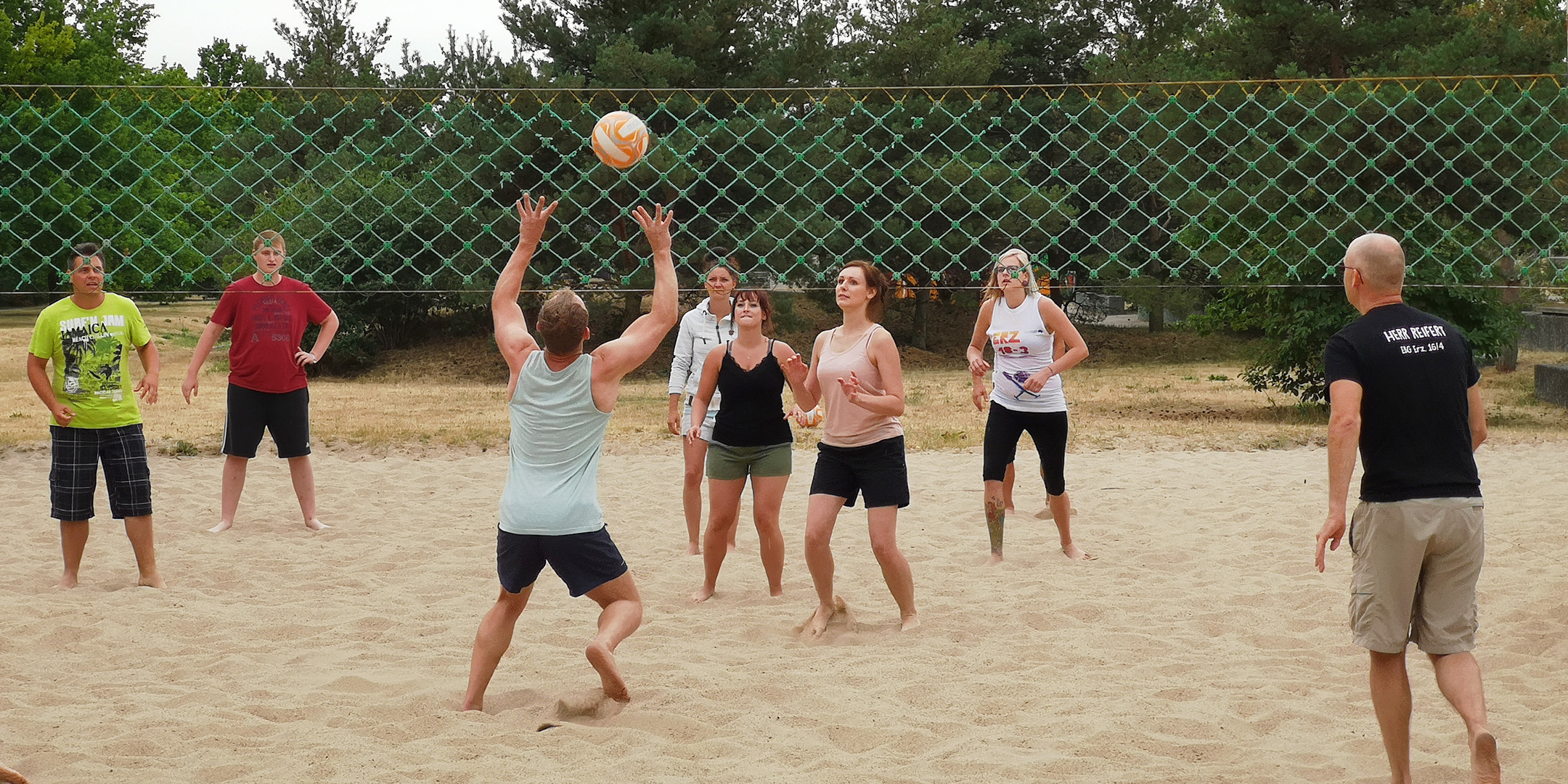 Traditionelles Volleyballturnier