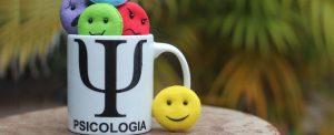 Emojis symbolisch für menschliche Emotionen